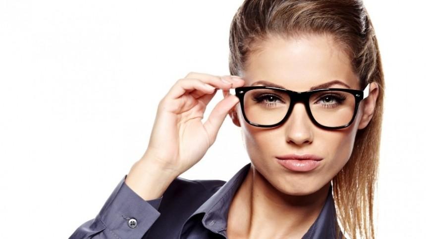Девушка очки